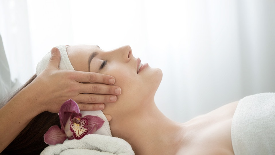 Enjoy a facial massage treatment at our beauty salon in stoke-on-trent staffordshire