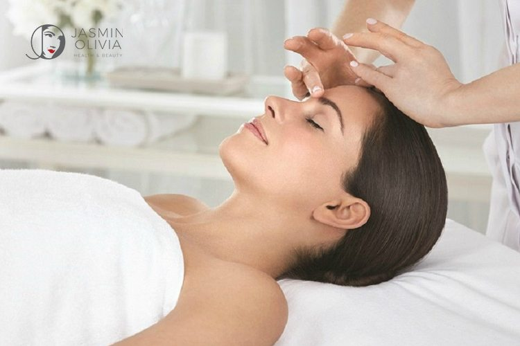 Elemis Pro-Definition Lift and Contour treatment